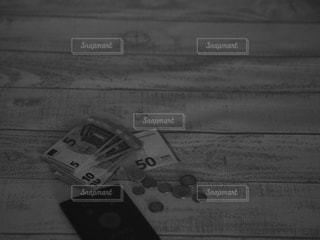 外貨と財布とパスポート。の写真・画像素材[3457528]
