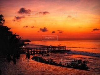 沈む夕日との写真・画像素材[3581172]