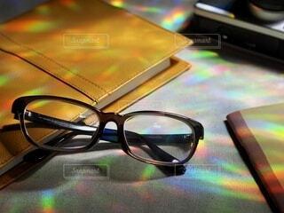 光さしこむ窓際での写真・画像素材[3653242]