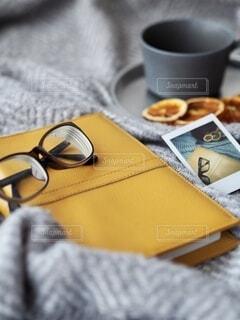 めがねと本とコーヒータイム。の写真・画像素材[3664451]