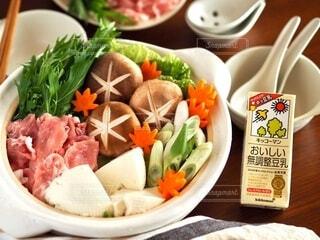 野菜たっぷり豆乳鍋の写真・画像素材[3806523]