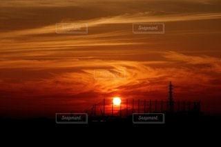 燃える夕空の写真・画像素材[3407373]