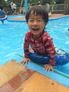 プール楽しいよ!の写真・画像素材[3619824]