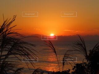 自然,風景,海,空,太陽,朝日,ビーチ,水面,水平線,オレンジ,正月,お正月,日の出,新年,初日の出