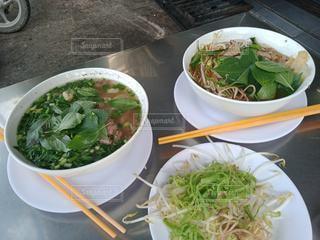 食べ物,食事,スープ,肉,料理,麺,和,フォー,素麺,Pho,ブンボー,ベトナムのそうめん,Bun Bo