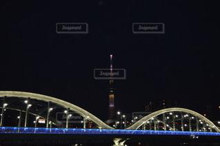 橋とスカイツリーのライトアップの写真・画像素材[3449441]