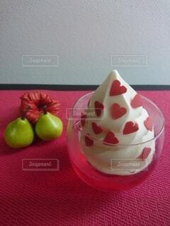 ハートのアイスクリームの写真・画像素材[3619469]
