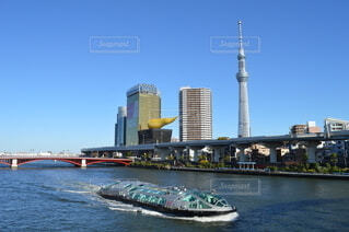 青空と隅田川の写真・画像素材[4010734]
