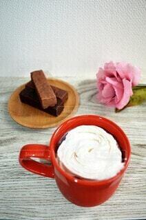 食べ物,カフェ,ケーキ,屋内,クリーム,デザート,生クリーム,リラックス,チョコレート,カップ,アイスクリーム,甘い,おいしい,おうちカフェ,ドリンク,おうち,菓子,ライフスタイル,酪農,おうち時間,ウインナコーヒー