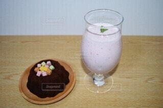 苺ミルクを作りましたの写真・画像素材[4383331]