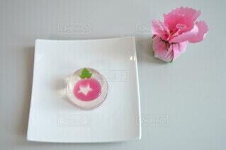 食べ物,スイーツ,花,屋内,ピンク,白,和菓子,薔薇,デザート,おやつ,皿,食器,お菓子,可愛い,和,ゼリー,和スイーツ