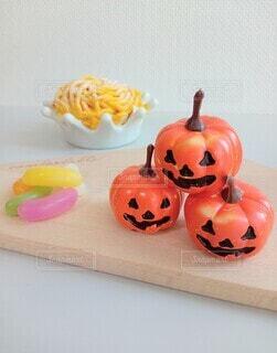 食べ物,スイーツ,屋内,オレンジ,テーブル,野菜,壁,ハロウィン,かぼちゃ,スカッシュ,ハロウィーン,カボチャ