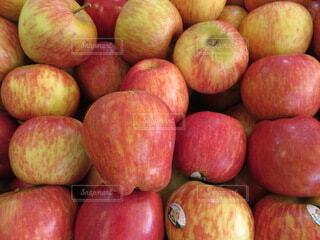 果実の山の写真・画像素材[3720671]