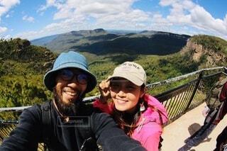 山登りで記念撮影の写真・画像素材[4109933]