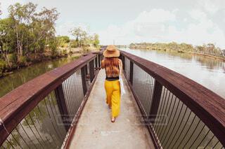 川の散歩の写真・画像素材[4242015]