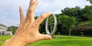 公園,屋外,指輪,手持ち,樹木,人物,リング,ポートレート,モニュメント,ライフスタイル,手元