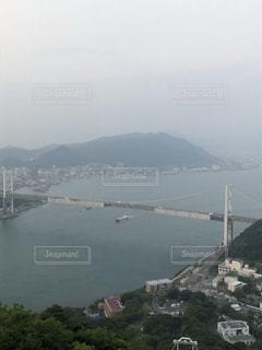 朝の関門海峡の風景の写真・画像素材[3603019]