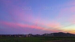 自然,風景,夏,夜,夕暮れ,幻想的,景色,日の入り,オレンジ色,夏空,紫色,夕映え,田舎の夏
