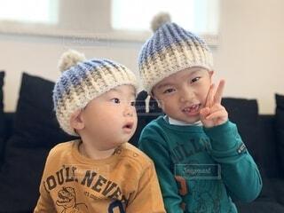 お揃いのニット帽の写真・画像素材[3755432]