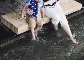和倉温泉で足湯の写真・画像素材[4195568]
