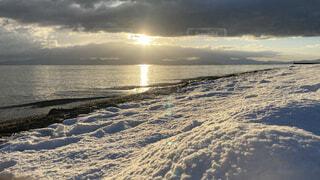 自然,風景,海,冬,太陽,朝日,砂,雲,波,海岸,正月,お正月,元旦,日の出,琵琶湖,新年,初日の出,冬休み,2021