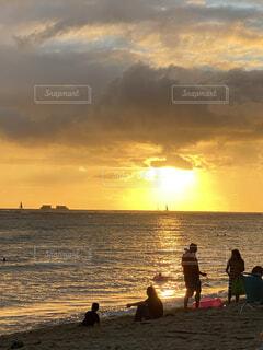 ハワイの夕焼けの写真・画像素材[4165737]