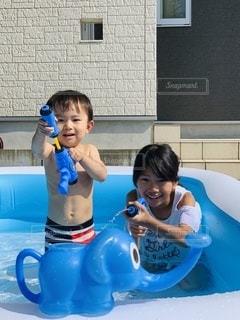 プールの小さな子供の写真・画像素材[3485930]