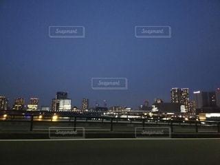 夜の都市の眺めの写真・画像素材[3480908]