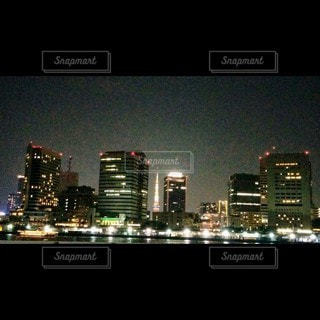 夜の都市の眺めの写真・画像素材[3525085]