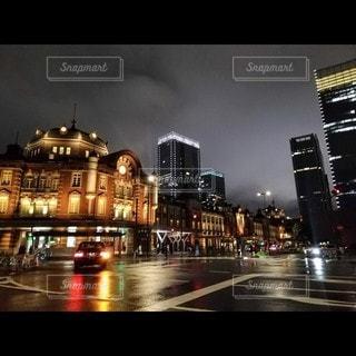 夜の都市の眺めの写真・画像素材[3525104]