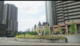 高い建物の写真・画像素材[3525119]