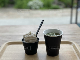 緑茶とマスカットアイスの写真・画像素材[4728059]
