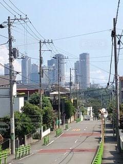 高層ビル群と閑静な住宅街の写真・画像素材[3521839]