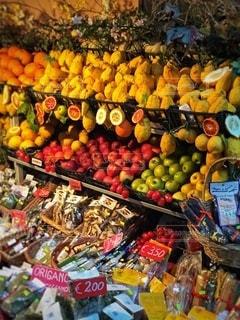 シチリア島タオルミナの売店の写真・画像素材[3524203]