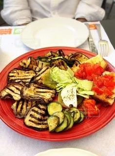 イタリア旅行で食べたグリル野菜プレートの写真・画像素材[3525211]