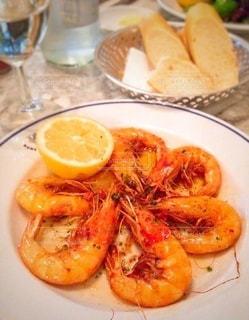 ロンドンで食べたシンプルな海老のソテーの写真・画像素材[3525345]