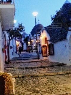 アルベルベッロで夜の散策の写真・画像素材[3526342]