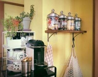 キッチンのコージーなカフェコーナーの写真・画像素材[4187404]