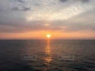 風景,海,空,太陽,朝日,水面,海岸,水平線,正月,お正月,地平線,日の出,新年,初日の出,穏やか