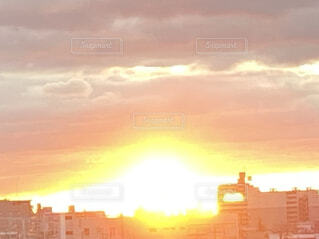 朝日,正月,お正月,日の出,新年,初日の出,雲の隙間,光の山