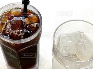 飲み物,インテリア,コーヒー,アイスコーヒー,水,氷,ガラス,コップ,食器,グラス,ドリンク,冷たい,ライフスタイル,ソフトド リンク