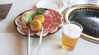 ラム肉とビールの写真・画像素材[3527884]