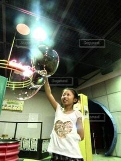 シャボン玉の写真・画像素材[3617220]