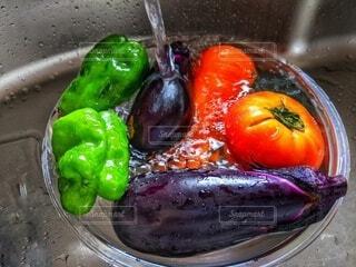 野菜を洗うの写真・画像素材[3687004]