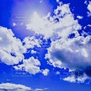 青空の雲の写真・画像素材[3533858]