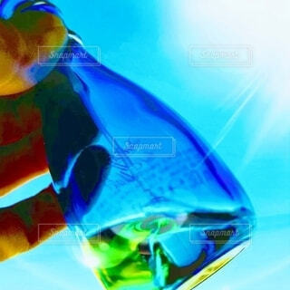 ガラス,光,手持ち,人物,ブルー,ポートレート,カラー,ライフスタイル,香水瓶,手元