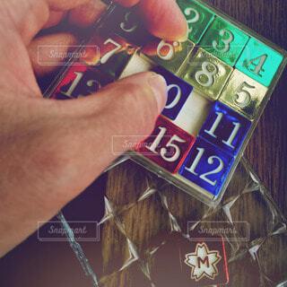 カラフル,鮮やか,手持ち,人物,ゲーム,ポートレート,数字,ライフスタイル,パズル,手元
