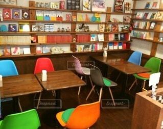 本がたくさんあるカフェです。の写真・画像素材[3698712]