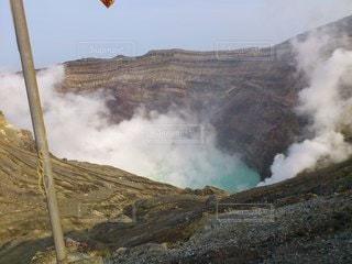 阿蘇山の火口の写真・画像素材[3530518]