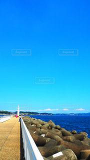 七里ヶ浜の海辺の写真・画像素材[3535507]